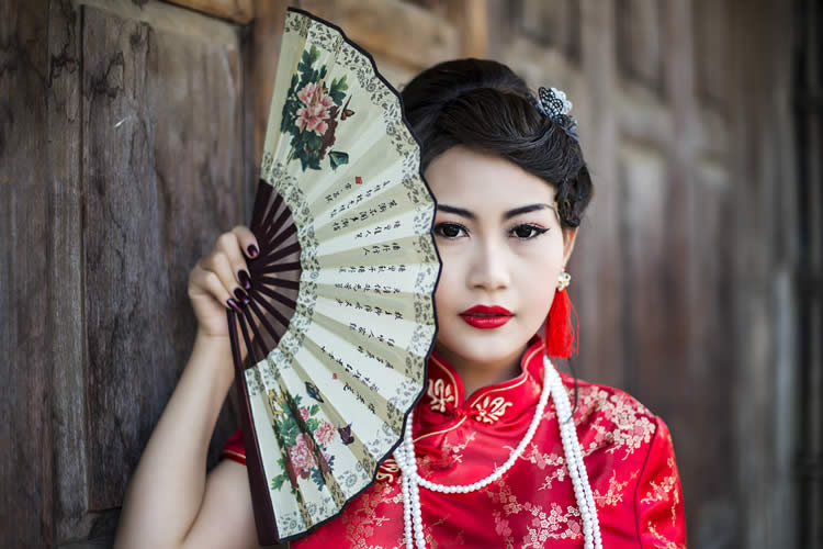 Asia traditional girl