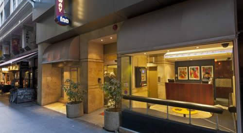 Quality Hotel Melbourne Airport - Budget Hotel near