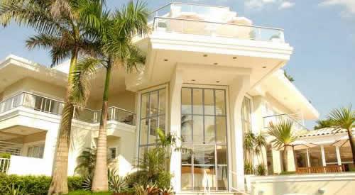 Santos Falls Hotel