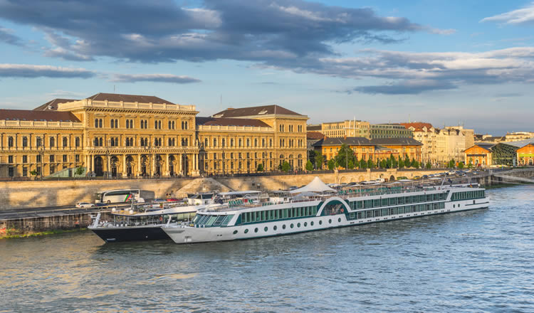Passau Hotels Near River Cruise Port Terminal