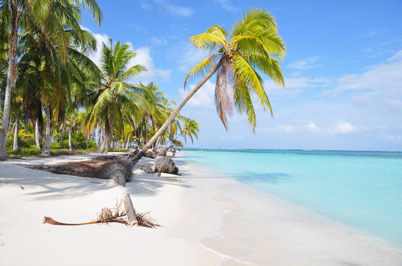 San Blas Island white sandy beach in Panama