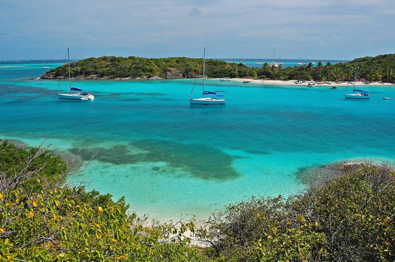 Tobago Cays islands and yachts