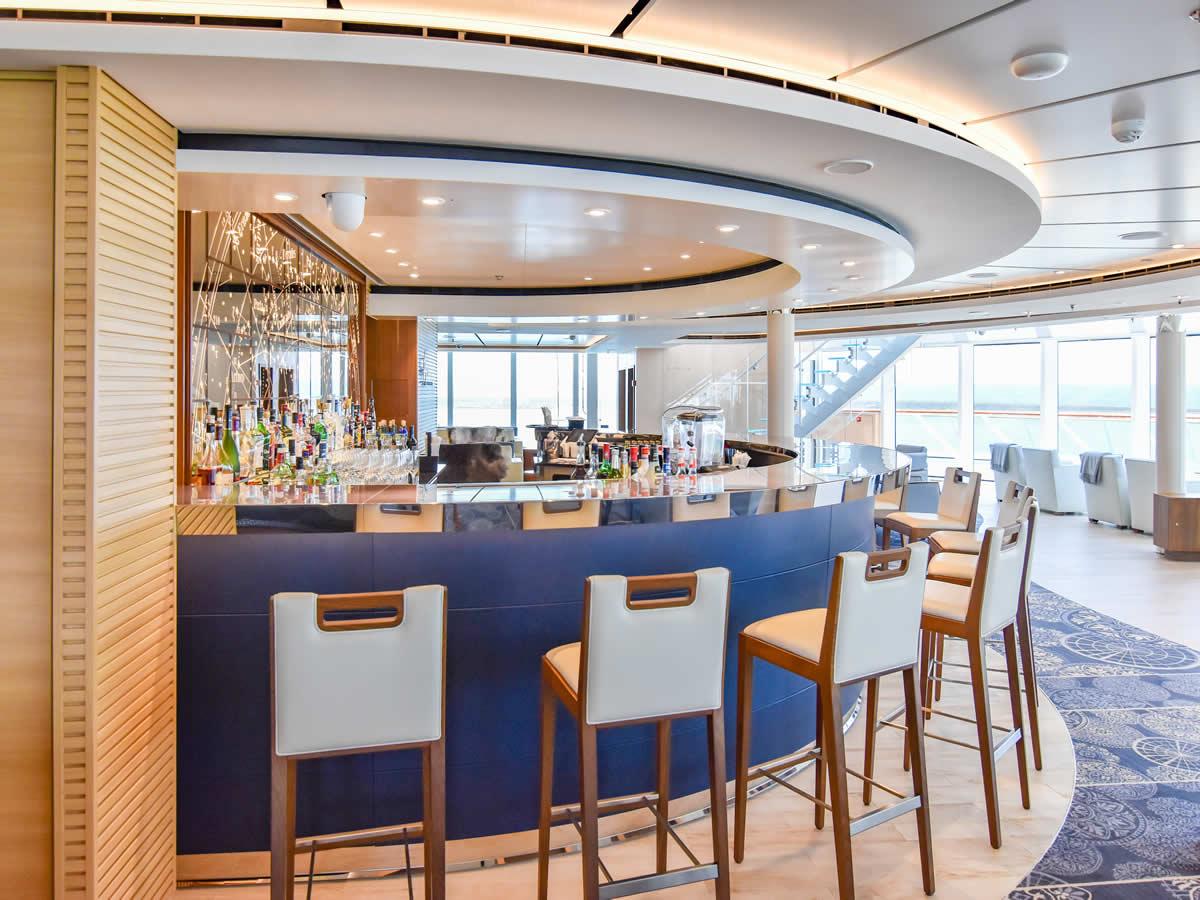 Explorers' Lounge Bar Viking Orion