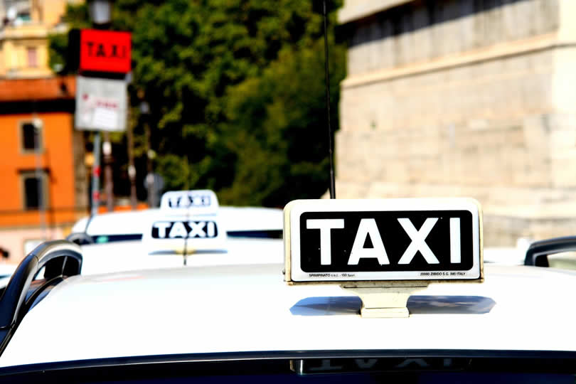 Taxi in Rome Italy
