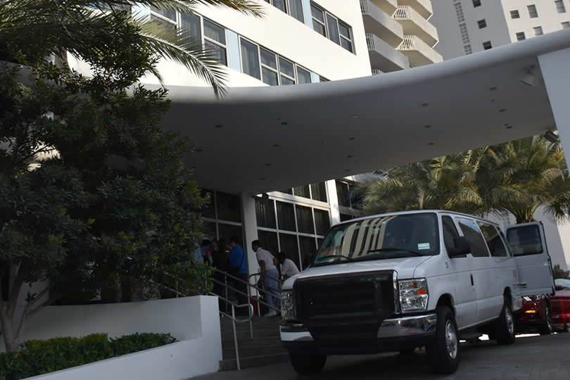 hotel with free shuttle to Port Everglades