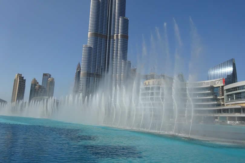 Dubai fountains in downtown