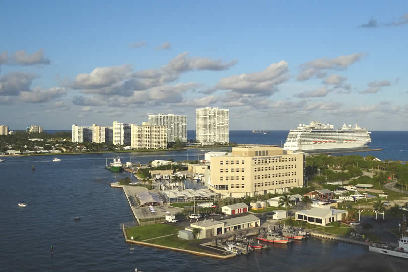 Cruise ship leaving Fort Lauderdale port