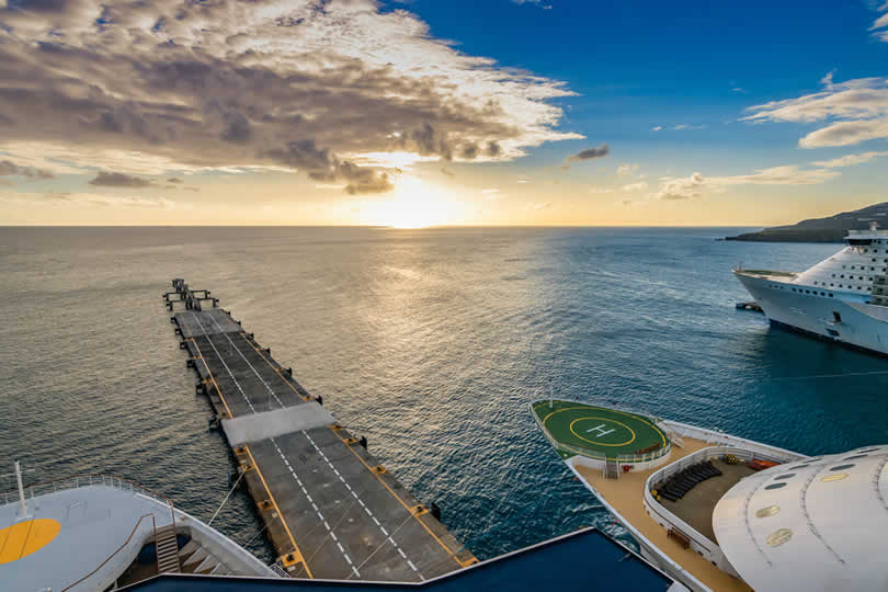 St Maarten cruise ships in port
